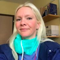 Dr. Josefin Elzen